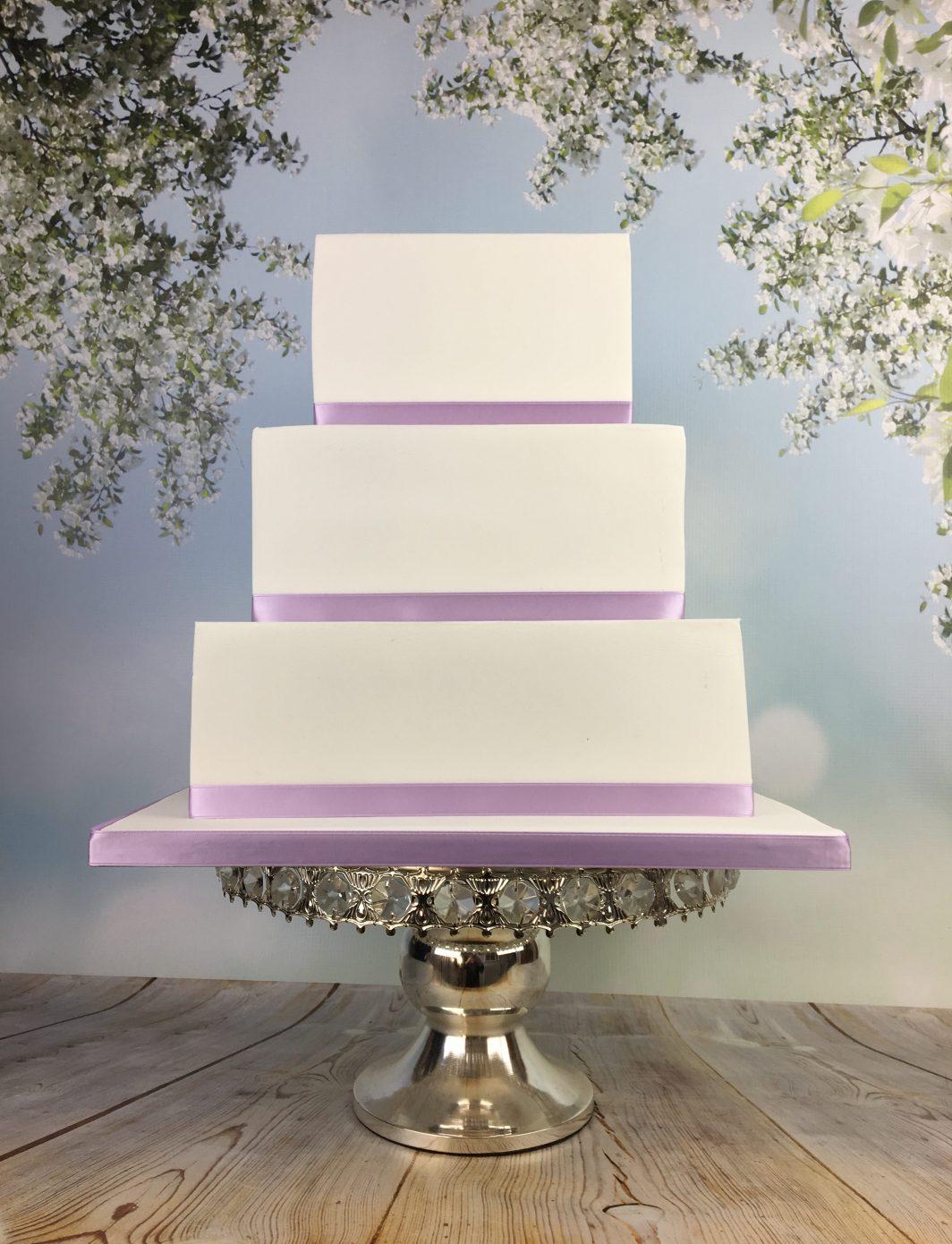 Sharp edges square wedding cake