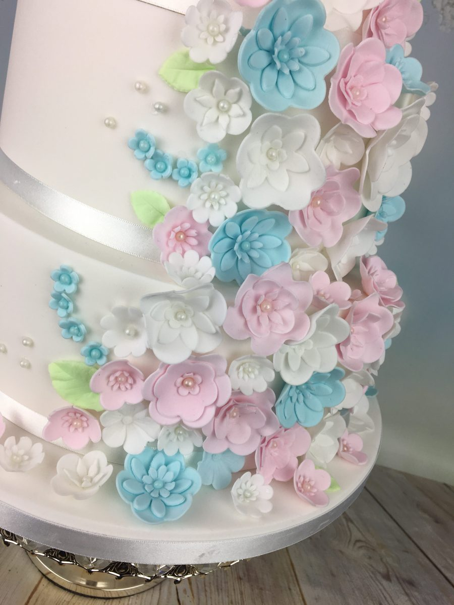Wedding cakes in Tiffany blue and Raspberry pink color ... |Pink And Blue Wedding Cakes
