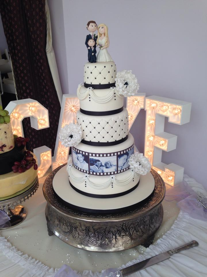 Cake With Photo Reel : Film reel wedding cake - Mel s Amazing Cakes