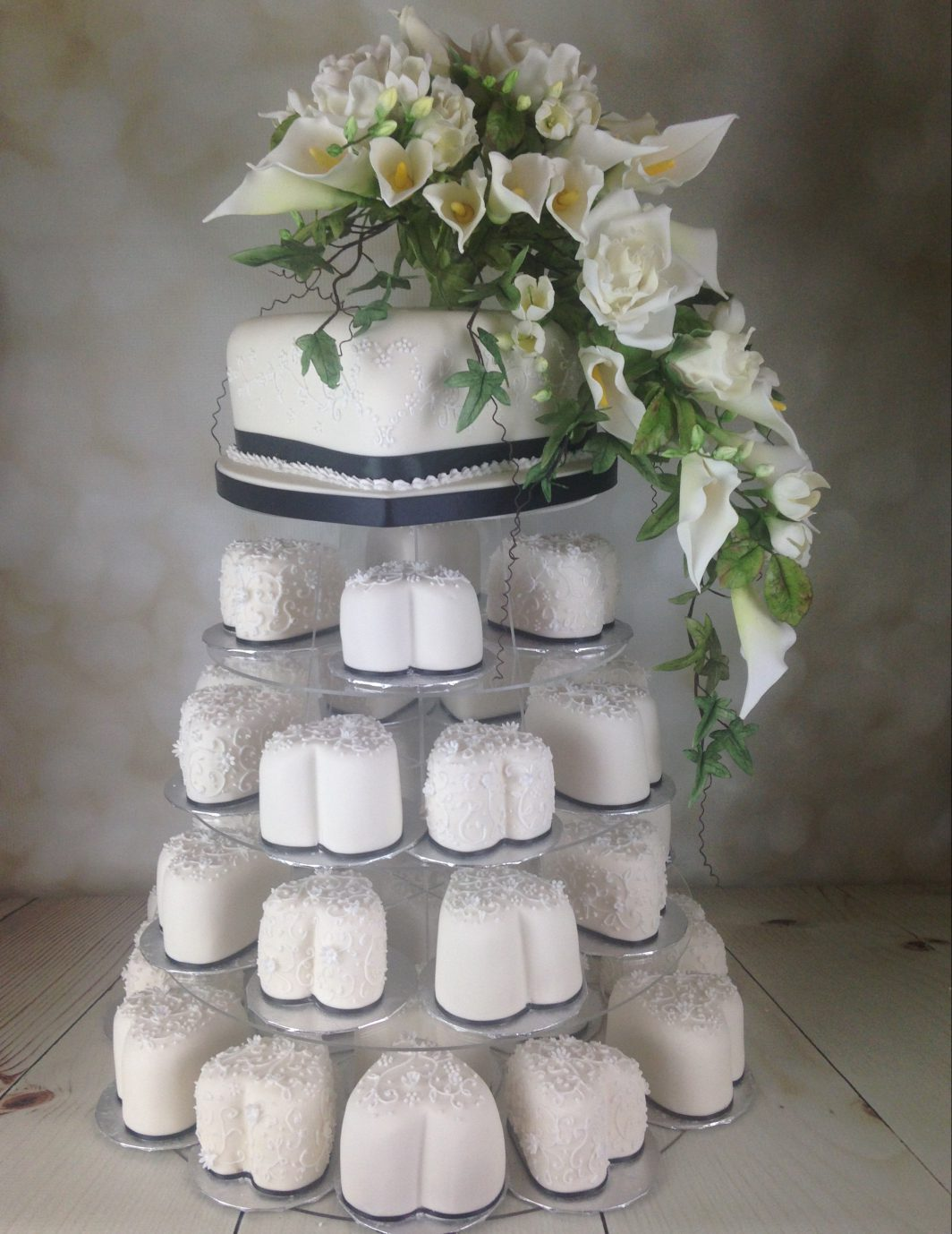 Mii hearts wedding cake