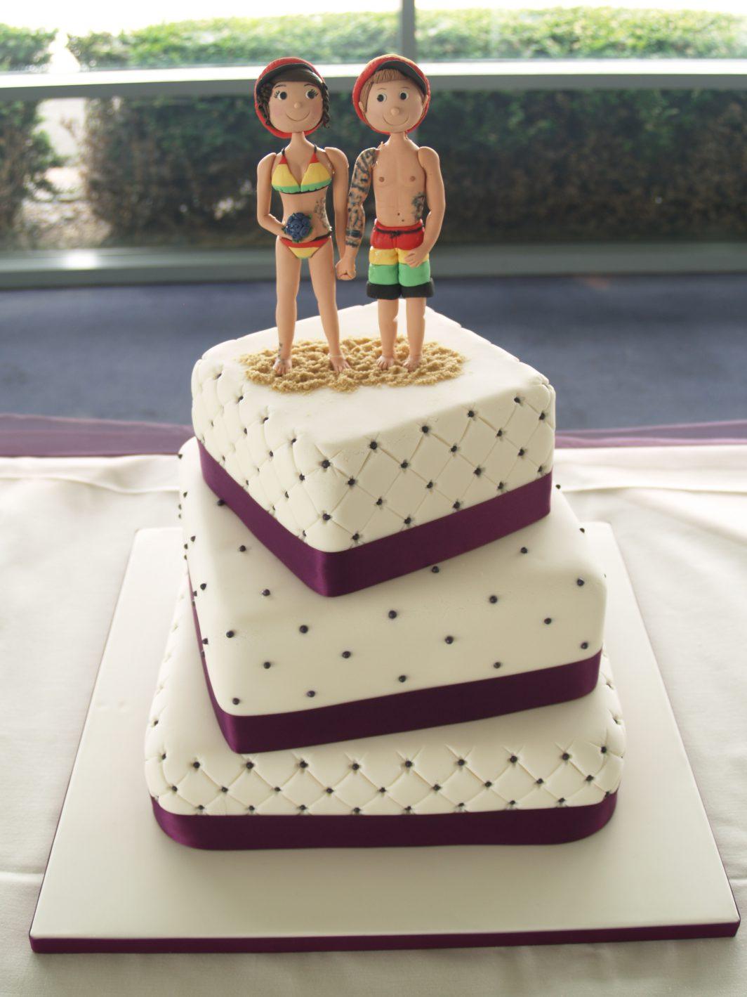 on the beach wedding cake