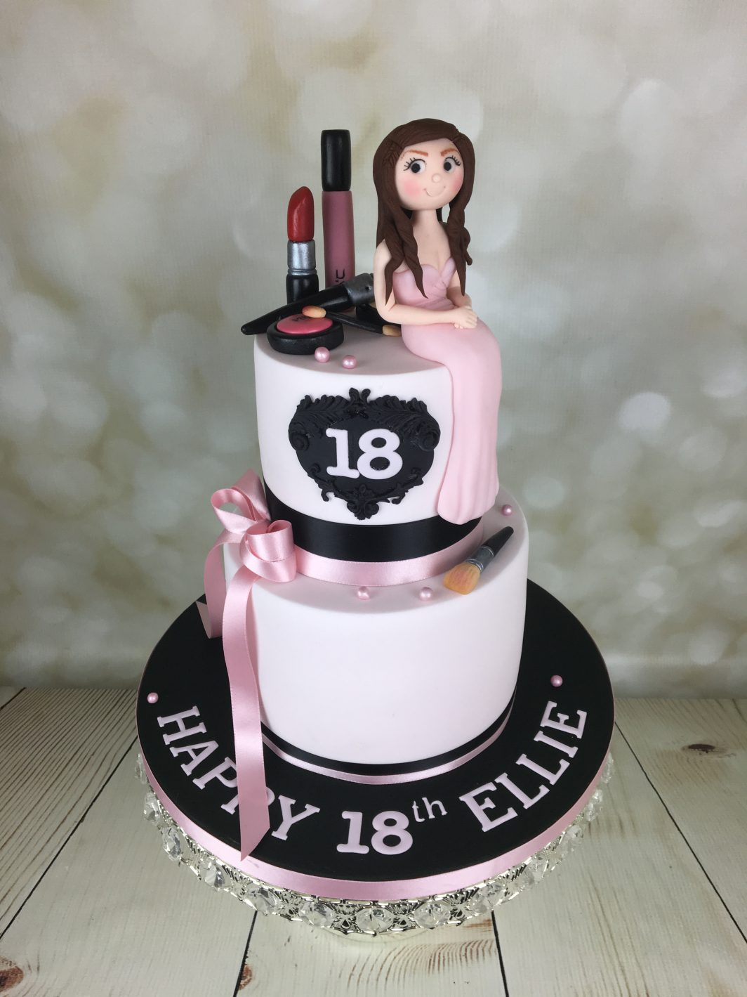 18th Birthday Cake With Mac Makeup Mels Amazing Cakes