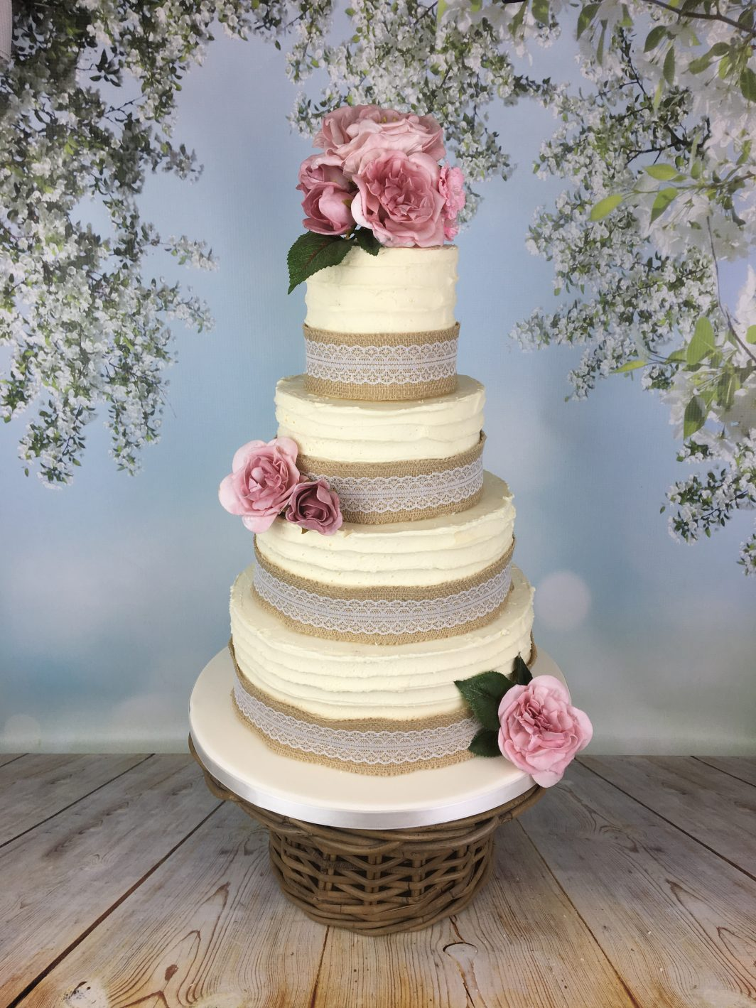 hessian and lace wedding cake