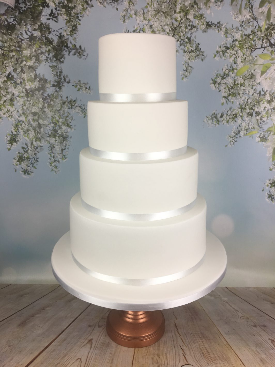 crisp white wedding cake