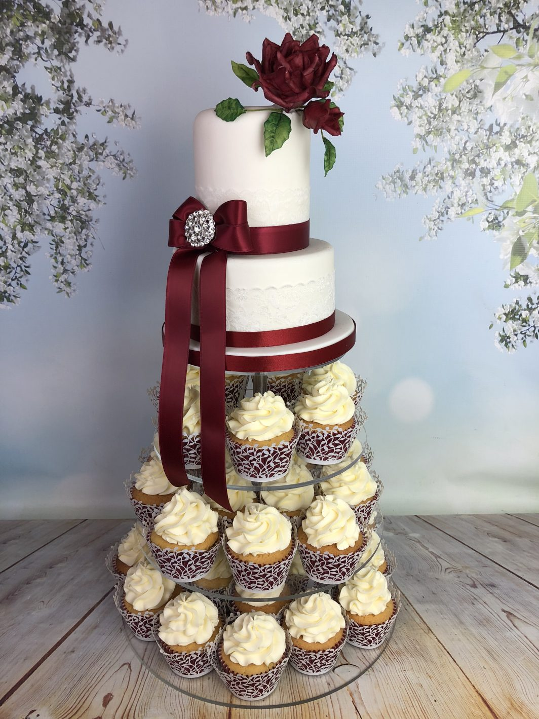 Wedding Cake Cupcake Tower With Red Rose Mel S Amazing Cakes