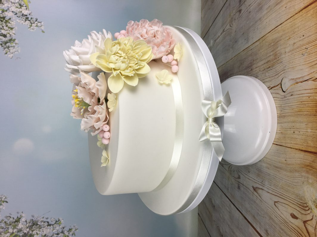 Sugar Roses Wedding Cake