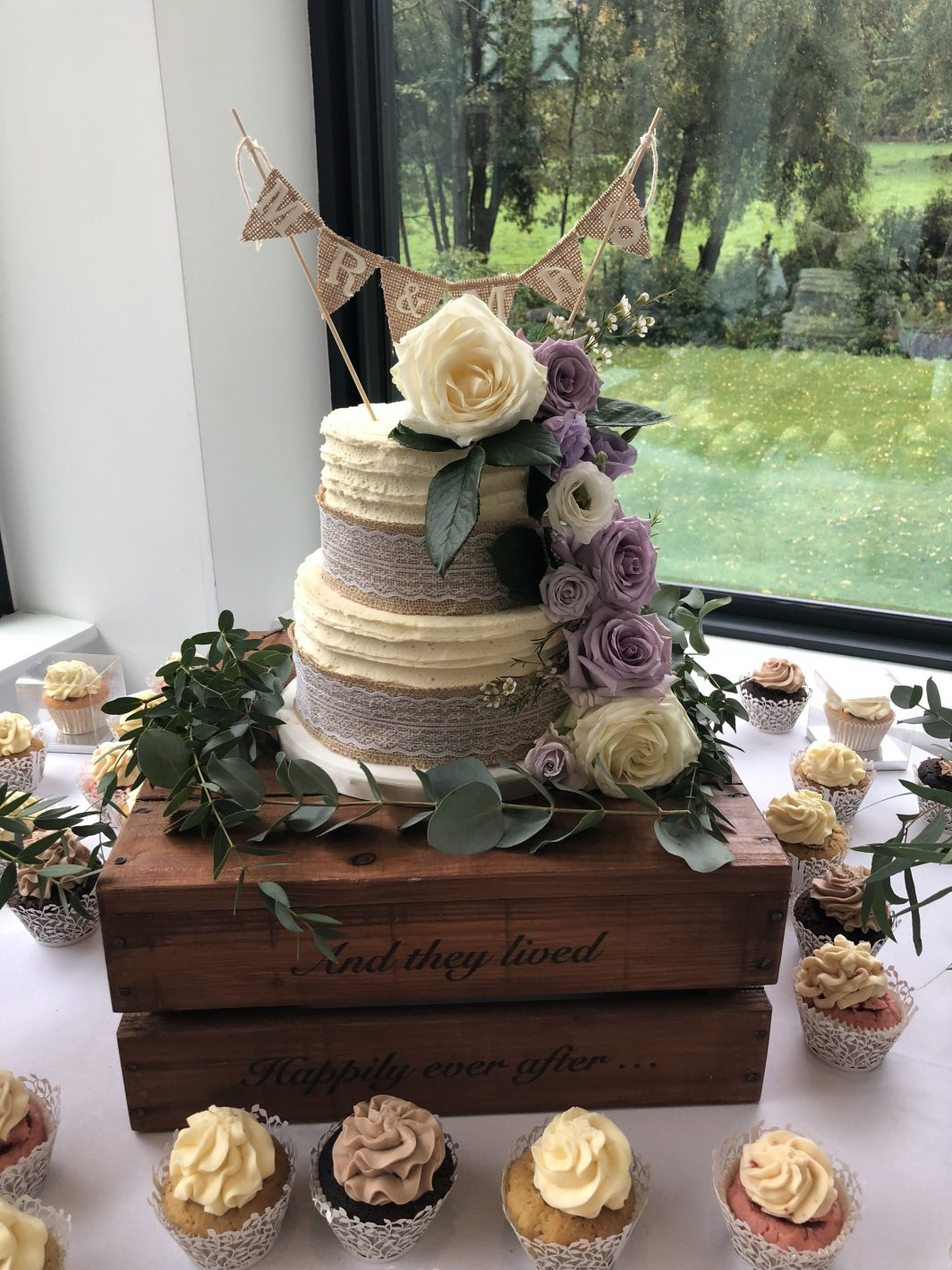 Fresh Flowers Wedding Cake