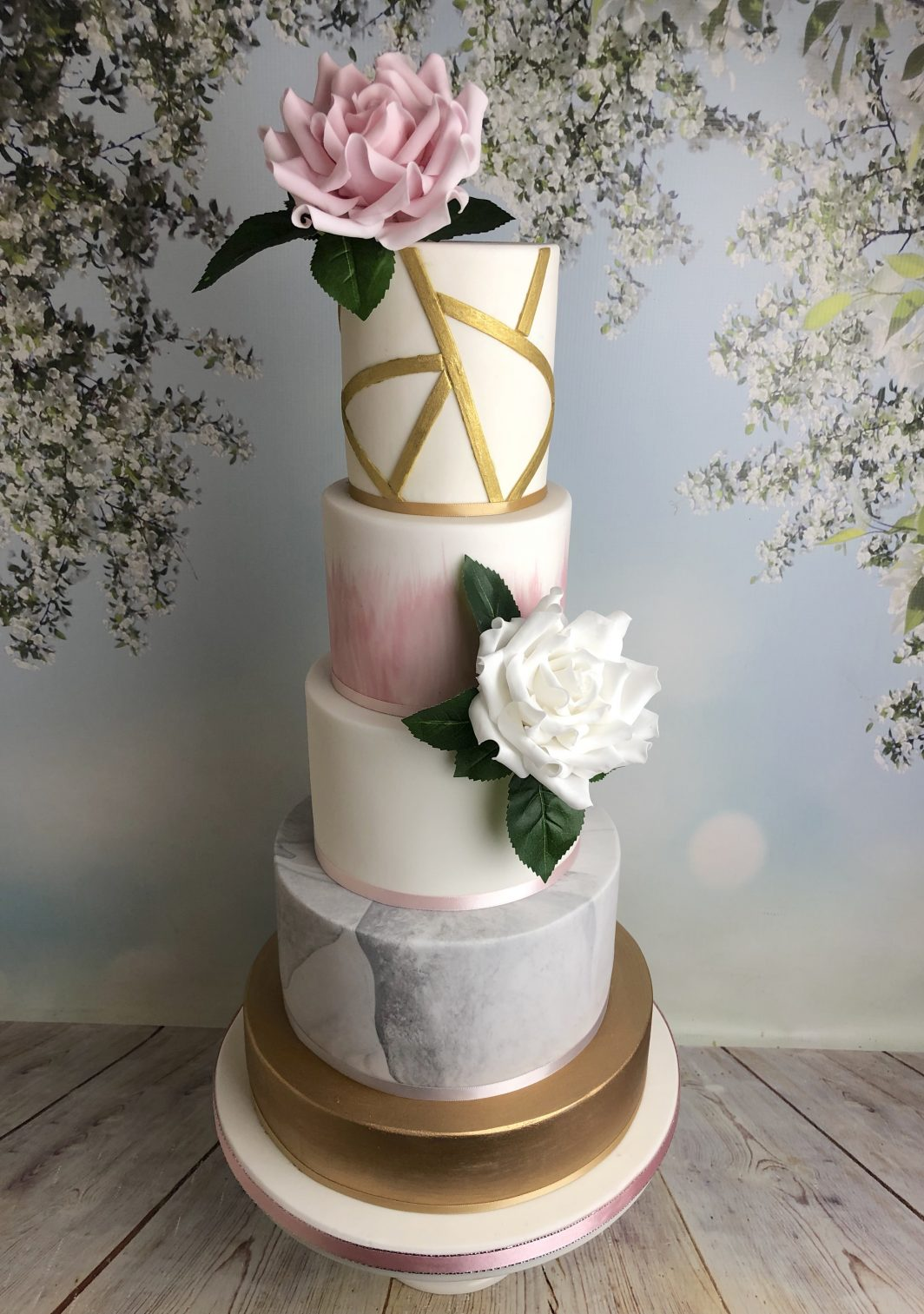 Modern Grey Marble Wedding Cake With Gold And Sugar Flowers Mel S Amazing Cakes
